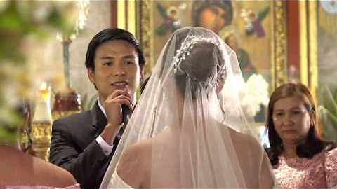 Groom Serenades Bride As She Walks Down The Aisle