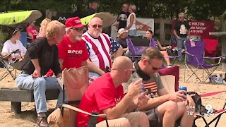 Hundreds gather in Butler County in support of President