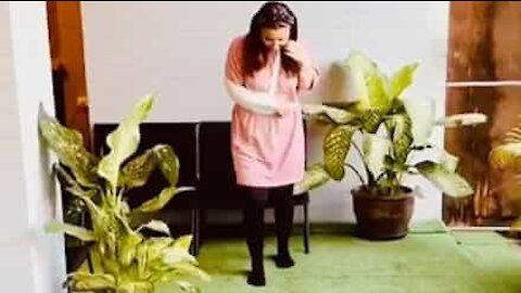 Mulher aprende a andar novamente após acidente grave