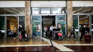 SOUTH AFRICA - Johannesburg - Cathay Pacific Flight from Hong Kong - Video (x9H)