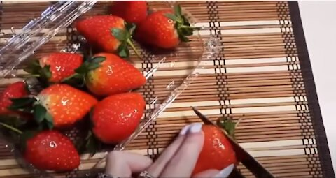 don't waste your strawberries by cutting the top, use a straw