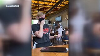 Woman gives almost $5K to area servers, delivery drivers through 'Venmo challenge'