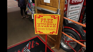 Slideshow Russell's Truck Stop Museum Part 1