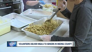 Volunteer deliver meals to seniors in Medina County
