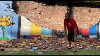 Toledo: George Floyd mural collapses after being hit by lightning