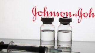 Fact Checkers de vacunas estarían siendo financiados por Johnson & Johnson, denuncia congresista