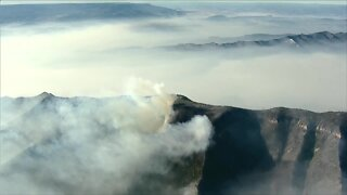 Raw: AirTracker7 video shows Grizzly Creek Fire as of Tuesday morning