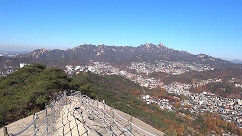 서울 인왕산정상에서 기차바위까지
