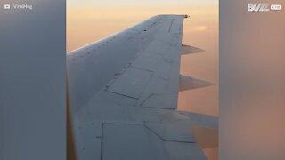 Vinduet på dette flyet ser ikke særlig sikkert ut...