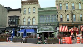 Local restaurants find ways to extend outdoor seating during colder months