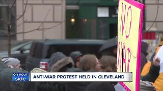Protestors in Market Square condemning conflicts with Iran