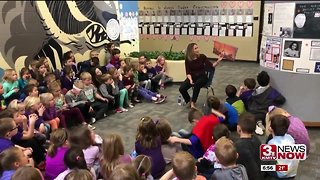 Griswold reads to Bennington Elementary students