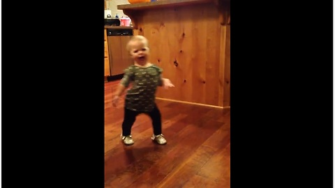 Toddler Imitating How Pregnant Mom Walks Is Absolutely Priceless