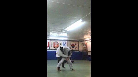 350lbs vs 150lbs
