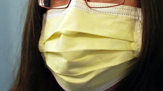 How to keep your skin healthy while wearing a mask