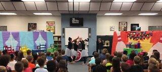 Elementary school takes plays virtual