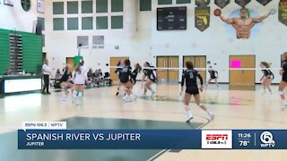 Jupiter volleyball advances to regional semi-finals