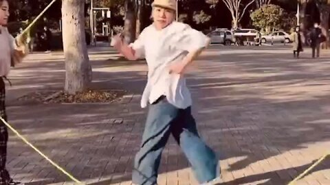 Mind-blowing Double Dutch dance routine is simply amazing