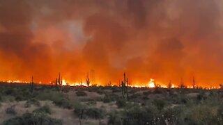 Telegraph Fire burning south of Superior, AZ