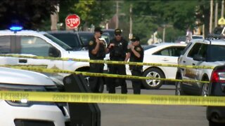Kenosha police officer shot, suspect still at large, police say