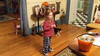 Girl gets emotional when parents adopt neighbors' cat