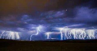 Imponerende tordenvær over Australia