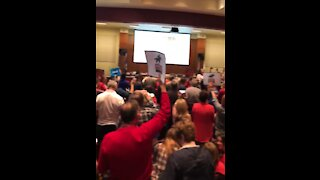 Parents Sing National Anthem After School Board Silences Them Because of Applause