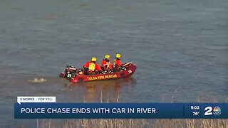 Police chase ends with car in river