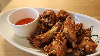 How to make fried chicken with sesame seeds