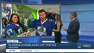 Dress like a Everblades ice hockey player for Saturday game