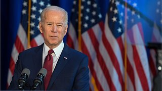 Who's onstage for the Iowa Democratic presidential debate