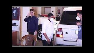 SPOTTED: Kareena Kapoor & Saif Ali Khan in Bandra | SpotboyE