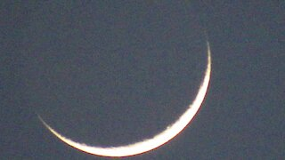 Check out this mind-blowing footage of a closeup of the Moon and Venus