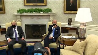 White House Aides Shout Down Reporters Questions To Biden