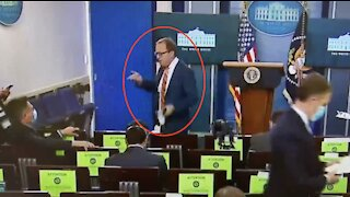 ABC's Jon Karl Gets Caught Red Handed When He Thinks Cameras Are Off