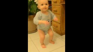 Toddler rocks the dance floor