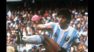 Gary Lineker leads tributes to legendary Diego Maradona