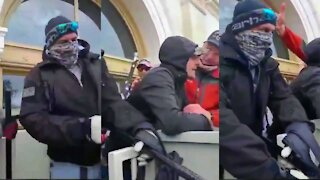Trump Supporters Stop Antifa Scums From Destroying US Capitol Building Windows