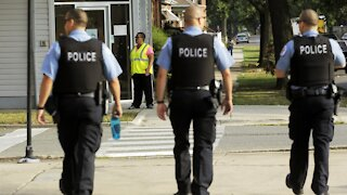 Chicago Police Union Fights City's Vaccine Mandate
