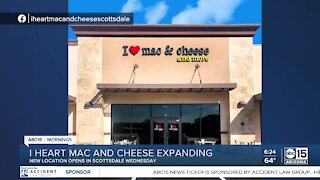 The Bulletin Board: I Heart Mac and Cheese expanding
