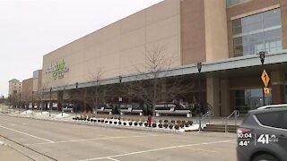 Lenexa warehouse chosen for Johnson County vaccination site