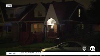 3 shot, 2 killed in drive-by shooting outside of home in Detroit