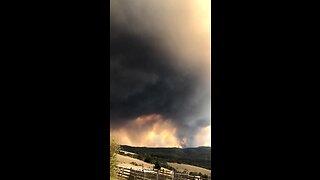 Massive bushfire in Australia caught on camera