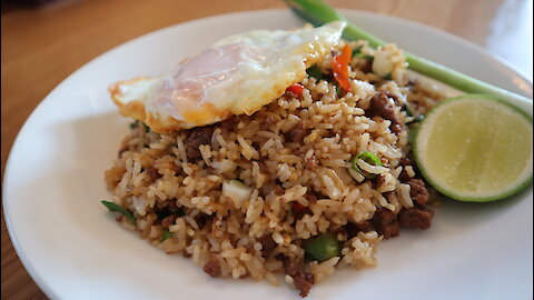 How to make Thai spicy beef fried rice
