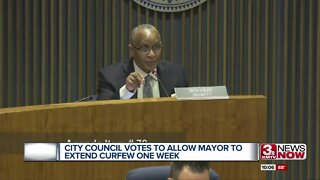 City Council votes to allow mayor to extend curfew one week