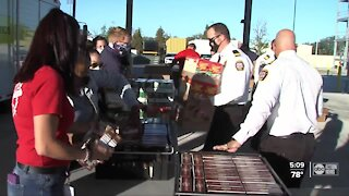 Firefighters get Thanksgiving meals after grueling year