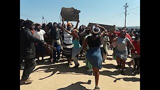 SOUTH AFRICA - Durban - Service delivery protest - eNgonyameni - (Video) (GsS)