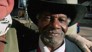 Downtown Denver shoeshiner dies of heart attack