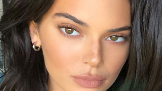Kendall Jenner SHADES Kylie Jenner By CUTTING Her Out!