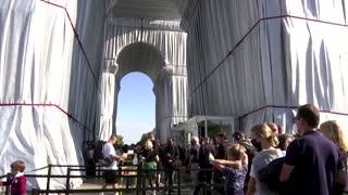 'Scream for freedom': Arc de Triomphe gets wrapped up